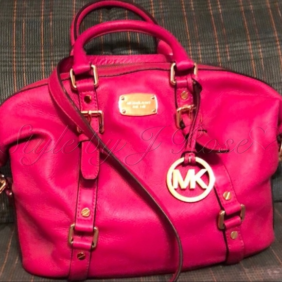Michael Kors Handbags - Michael Kors Fuchsia Colored Handbag - Like New!